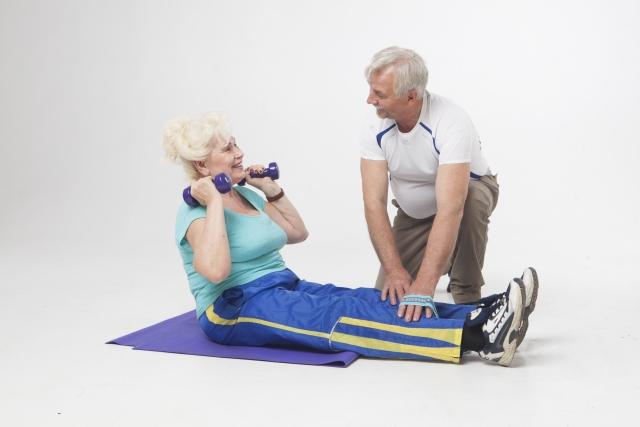 高齢で、ライザップのトレーニングがこなせるか不安です。