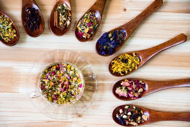 味付けは、酸味・香辛料・香味野菜・うまみを活用