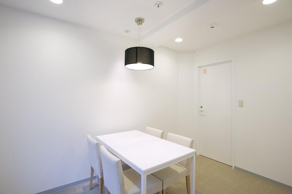 リボーンマイセルフ新宿店・カウンセリングルーム